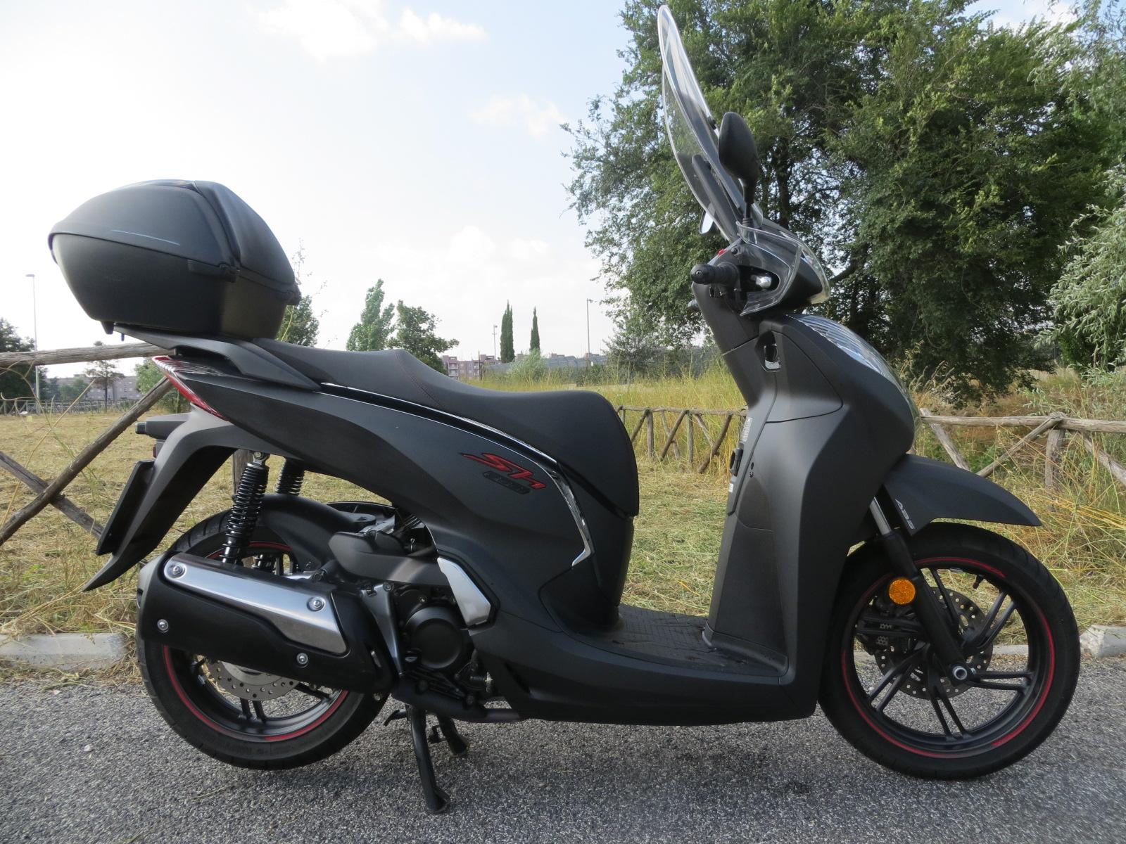 Honda Honda SH 300 i SCOOTER